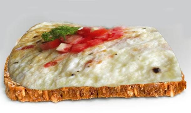 Clara de huevo con pan integral o pita